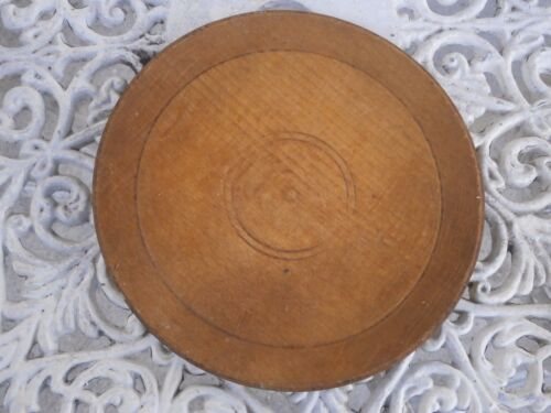 ANTIQUE VINTAGE WOODEN PLATE