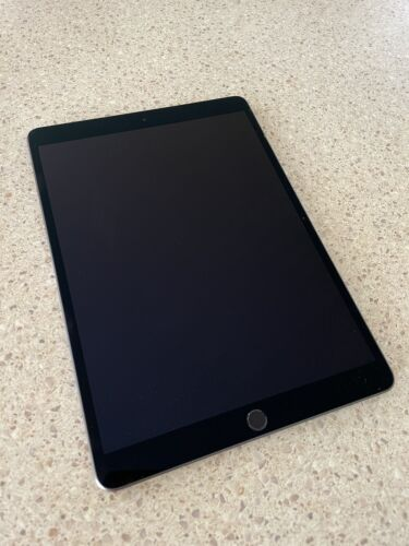 Apple iPad Air (3rd Gen) 64GB, Wi-Fi, -Space Grey - Used - Great Condition