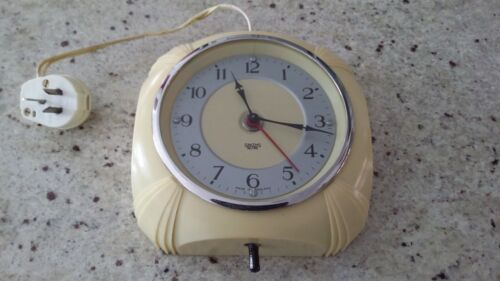 Vintage Smiths Sectric Cream  Bakelite Electric Wall Clock