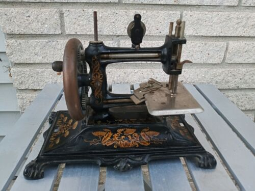 Muller #12 Cast Iron Child's Sewing Machine nice paint bit dusty Antique Toy
