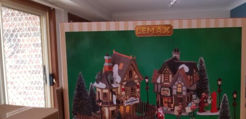 NEW lemax Christmas Vill Collectors Kit 2021 KIt 1 Valued at over 195. Aussie ad