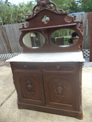 ANTIQUE VICTORIAN RENAISSANCE CARVED MAHOGANY MARBLE TOP SIDEBOARD w/ MIRROR