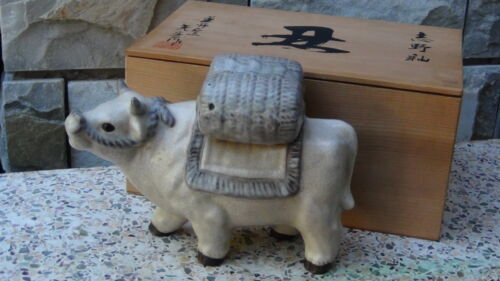 EARLY 20c CHINESE CERAMIC GLAZED OXEN WITH BARRELS ON HIS BACK STATUE IN THE BOX