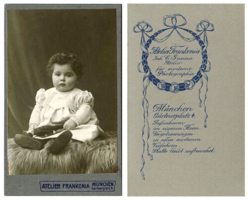 ANTIQUE CDV PHOTO PORTRAIT OF A BABY GIRL WITH DOLL & MUNCHEN, GERMANY STUDIO
