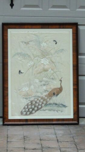 ANTIQUE 19c CHINESE LARGE FORBIDEN STITCHES SILK PEACOCK EMBROIDERY FRAMED