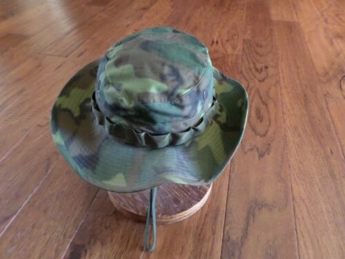 U.S MILITARY ISSUE VIETNAM JUNGLE HAT CAMOUFLAGE BOONIE HAT DATE 1968 SIZE 6 7/8Hats & Helmets - 36062