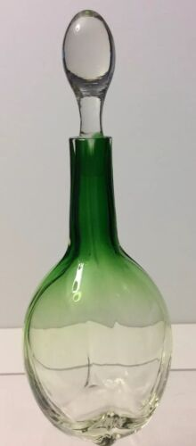 VINTAGE ANTIQUE GREEN TO WHITE GLASS WINE DECANTER DRESSER BOTTLE WITH STOPPER