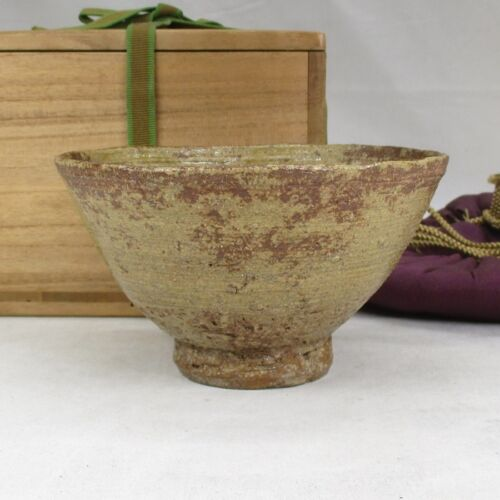 A712: Korean Joseon Dynasty style pottery tea bowl of traditional IRABO-CHAWAN