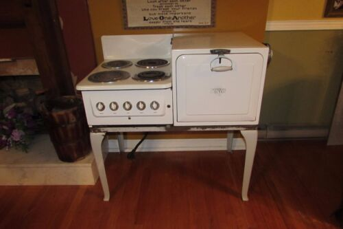 Vintage Antique 1937 Universal Electric Porcelain Farmhouse Stove/Oven #4018