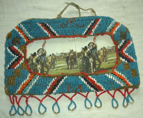 ANTIQUE c1880–1920 SIOUX NATIVE AMERICAN INDIAN BEADED FRAME & STEREOGRAPH vafo