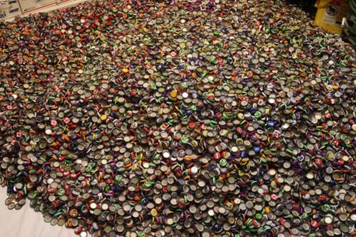500 MIXED BEER BOTTLE CAPS GREAT COLORS NO DENTS AWESOME MIX FREE FAST SHIPPING!