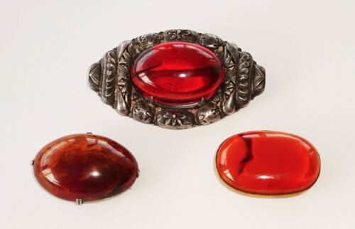3x Japanese 2x Belt Buckles & 1x Silver Pin set with Amber Cabochon (Dil)