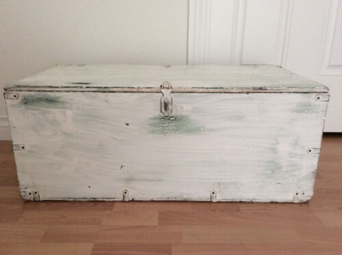 Shabby Vintage Trunk Lined 1950s Magazine & Newspaper Coffee Table Storage Chest