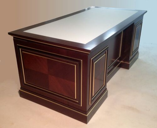 LUXURIOUS HANDMADE MAHOGANY DESKExceptional quality, MADE IN ITALY