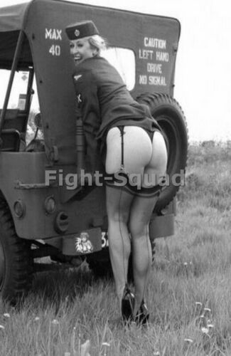 WW2 Picture Photo Military Uniform Stocking Legs Rear Jeep Woman Pin-up 3160 Photographs - 4727