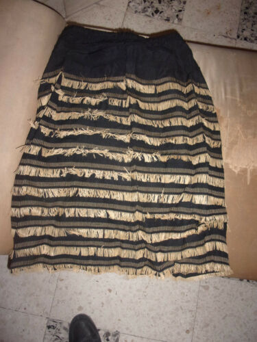 Rara gonna antica in stoffa e paglia ancient dress altes Kleid robe ancienne