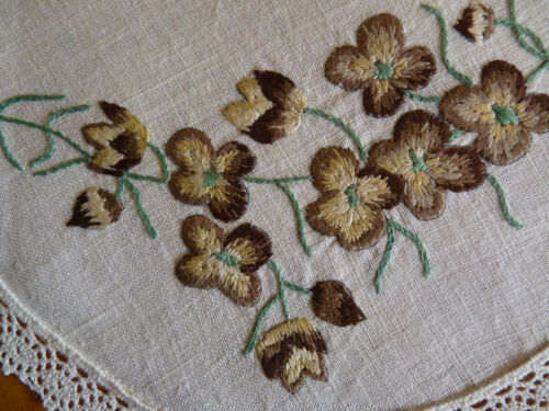 AUSTRALIAN BROWN BORONIA Hand Embroidered Dressing Table/Duchess Set VINTAGE