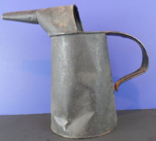 Vintage Distressed Metal Oil Can 1 QT. Garden Yard Decoration Retro Car Pitcher