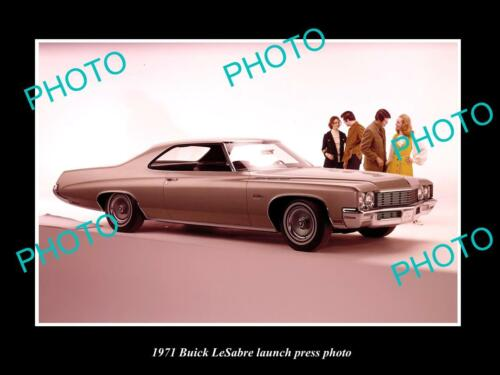 OLD 8x6 HISTORIC PHOTO OF 1971 BUICK LESABRE CAR LAUNCH PRESS PHOTO