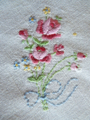 DAINTY PINK ROSES Hand Embroidered Linen Tray Cloth or Large Doily VINTAGE