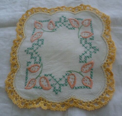 VINTAGE HAND EMBROIDERED APRICOT GREEN FLOWER DRESSER DOILY MAT CROCHET TRIM