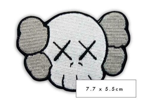 PATCH ECUSSON BRODE KAWS ART TOY GRIS THERMOCOLLANT