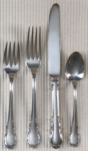 Lunt  MODERN VICTORIAN STERLING 4 Piece Place Setting No Monogram