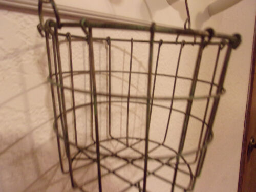 *LARGE*GATHERING WIRE BASKET*EGGS,FARMHOUSE DECOR*COUNTRY/PRIMITIVE,CHICKENS
