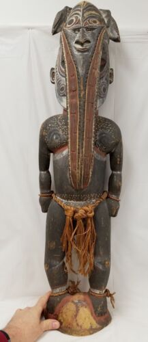 Large Antique New Guinea Pacific Islands Hand Carved Male Figure