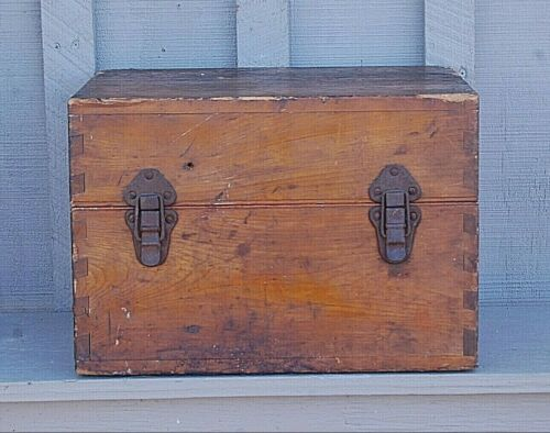 Vintage Primitive Japanese Wooden Dovetail Shipping Crate Box WWII ? StorageOther Japanese WWII Orig Items - 4080