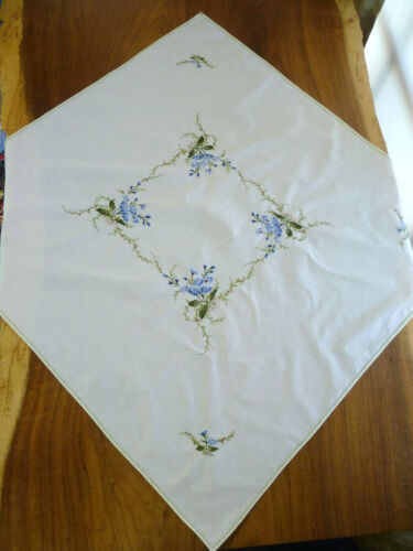 SWEET BLUE POSY Small Tablecloth Embroidered Breakfast Cloth Retro/Vintage