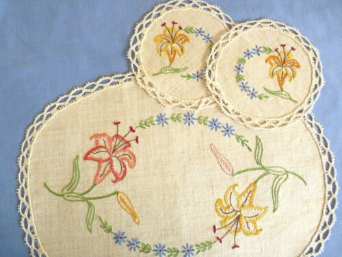 TIMELESS TIGER LILIES Vintage Hand Embroidered Duchess Set