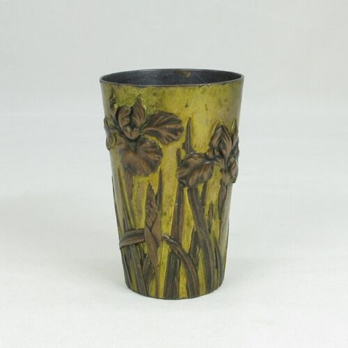 E165: High class Japanese old copper ware cup with greatest wonderful relief