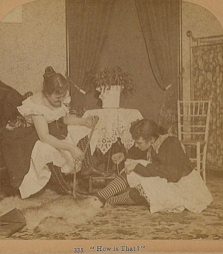 Risque - Women Measure Themselves Stereoview