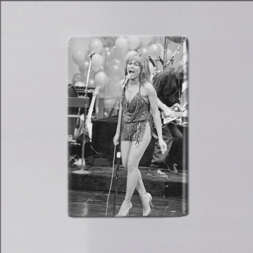"""TINA TURNER / ON STAGE - 2"""" x 3"""" FRIDGE MAGNET (vintage picture poster record"""