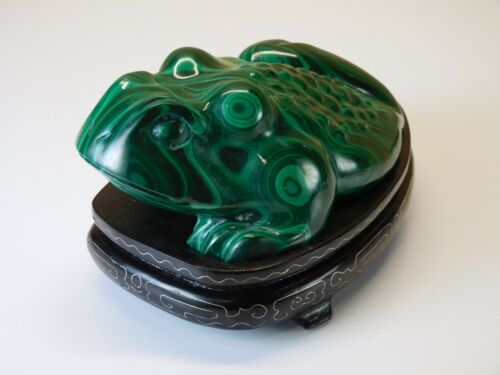 SALE!  LIFESIZE 15.8cm Chinese Carved Malachite Frog Figure on Inlaid Wood Stand