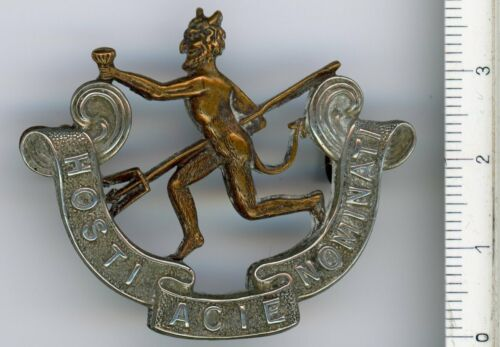 CANADA  WWI 8th Battalion Officers Cap Badge