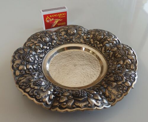 Exquisite European .800 silver bowl with boldly decorated surround