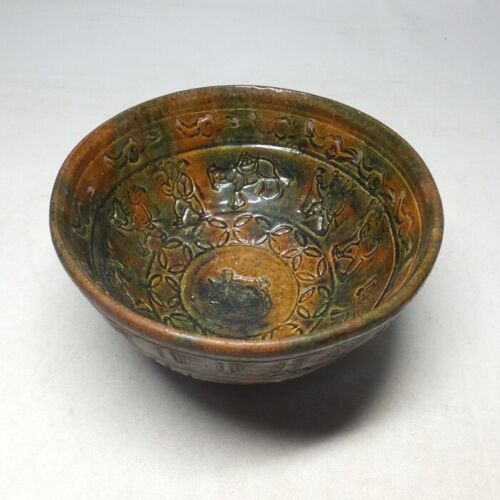 E0187: Japanese old pottery ware tea bowl with tasteful carving and good glaze