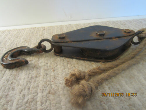 MARITIME, REPLICA SHIP'S METAL RIGGING PULLEY
