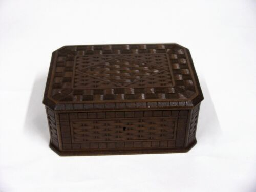 BLACK FOREST CARVED BOX WITH BASKET WEAVE C 1920'S