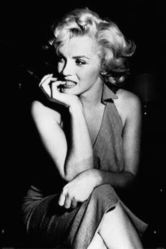 MARILYN MONROE - SEXY PIN UP POSTER - 24x36 SITTING 36440
