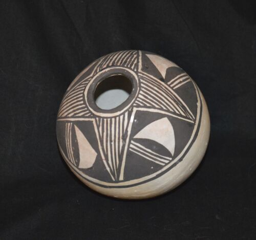 1950's ACOMA BLACK & WHITE HAND FORMED NATIVE AMERICAN INDIAN VASE ~ NEW MEXICO