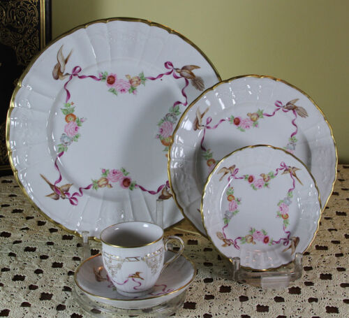Graceful Hand-Painted 5-piece Place-Setting Ribbons  and  Flowers Decoration