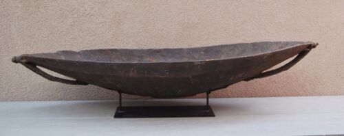 Early New Guinea Tribal Art Carved Wooden Bowl 19th Century