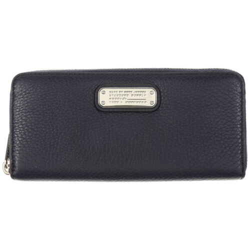 Marc by Marc Jacobs slim zip arond new Q
