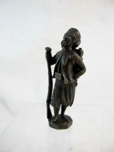 SMALL BRONZE OF A 19th CENTURY TURKISH? SOLDIER C1920'S
