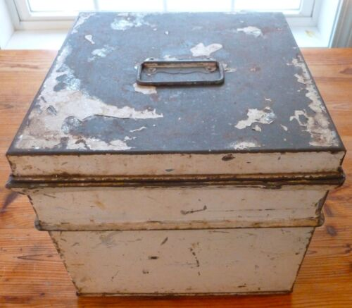 ANTIQUE Country PRIMITIVE CAKE BOX Large Sectioned Handles ORIGINAL WHITE PAINT