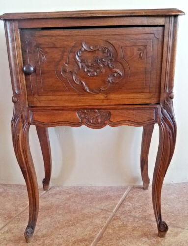 French Antique LOUIS XV WALNUT NIGHTSTAND BEDSIDE CARVED ACCENT TABLE circa 1900
