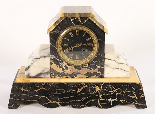 WHITE AND BLACK MARBLE FRENCH MANTLE CLOCK Lot 518